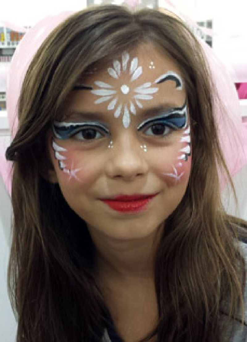 Pretty princess face painting in Holly Springs NC